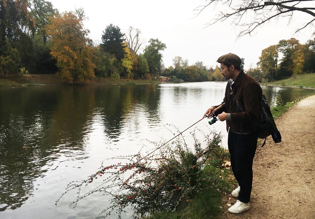 ブローニュの森(Bois de Boulogne)。散歩道になっているので後方には注意を払いましょう。すれ違う人には「Bonjour!」挨拶するといいと思います。