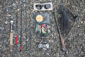 ハス釣りの装備はいたってシンプル。