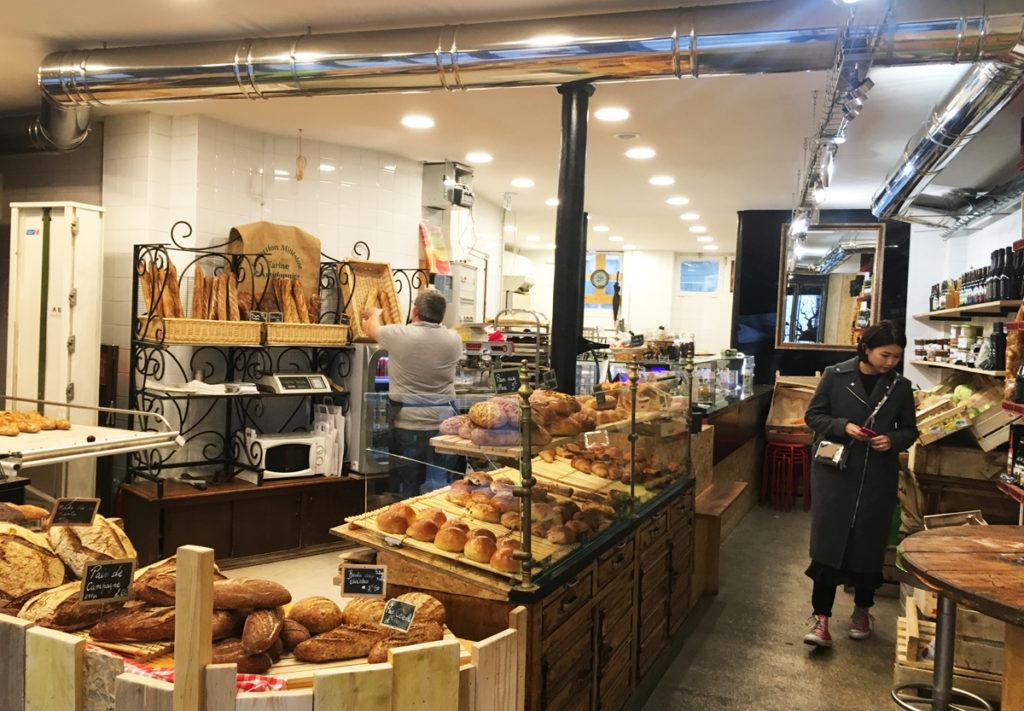 偶然通りがかったパン屋(Boulangerie)。美味い上にスタッフも気さくでまた必ず来ようと思ったお店。