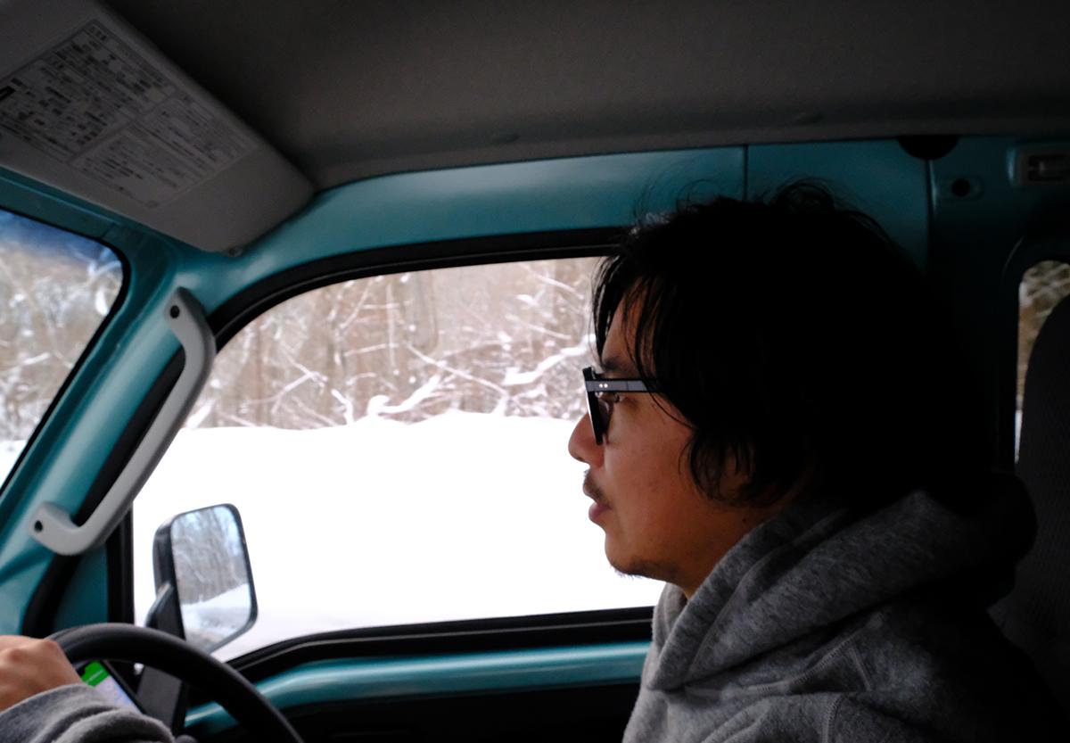 車自体は軽いせいか、雪道は思いの外安定していて快適でした
