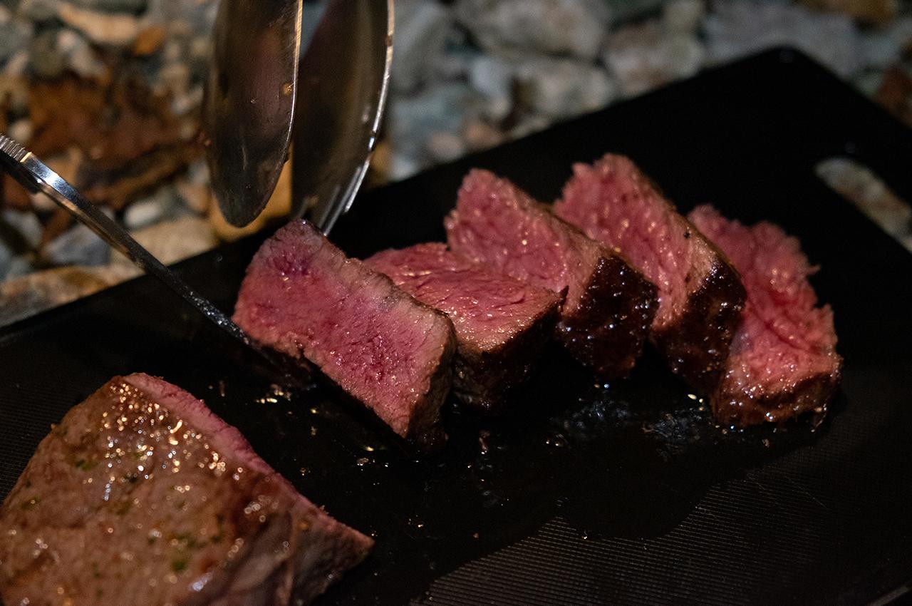みっつが良いお肉を焼いてくれました!幸せ〜